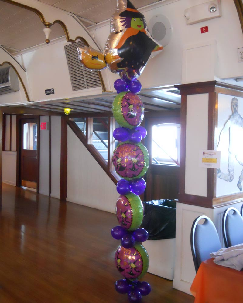 Witch-Way Stacked Balloon Column