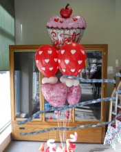 """This """"sweet"""" Valentine's Day balloon is perfect for your """"sweetheart"""""""