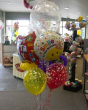 the latex balloons come in different colors.